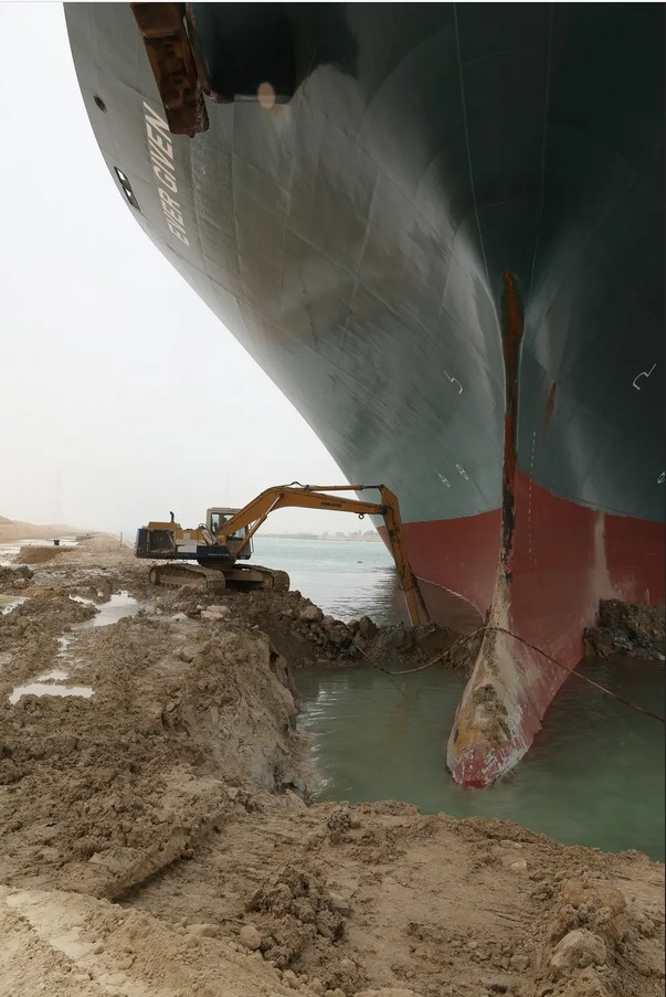 suez canal boat